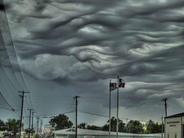 необычные странные облака