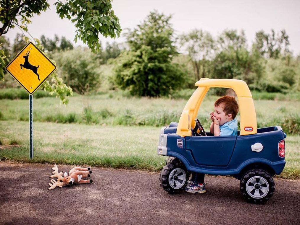 малыш и грузовичок