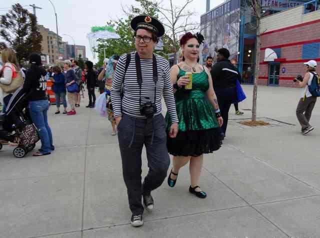 парад фриков Бруклин