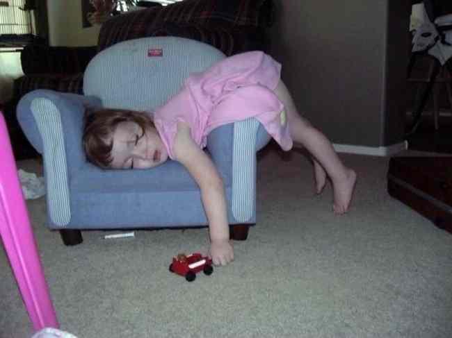 как спят дети
