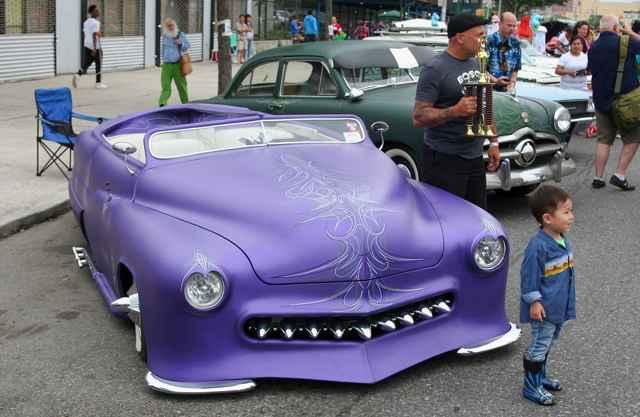 ретро авто на параде