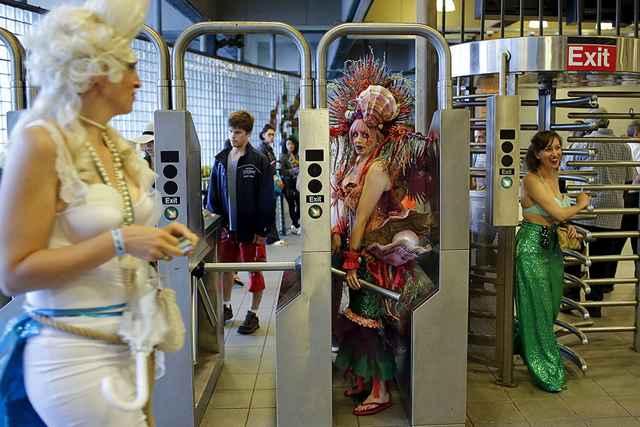русалки в бруклинском метро