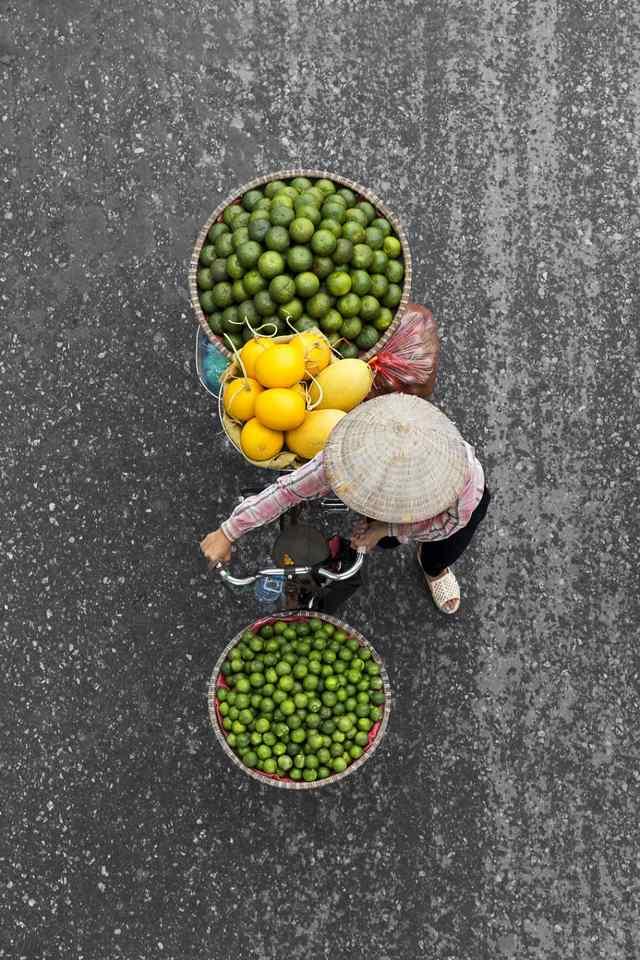 продавцы фруктов в Ханое
