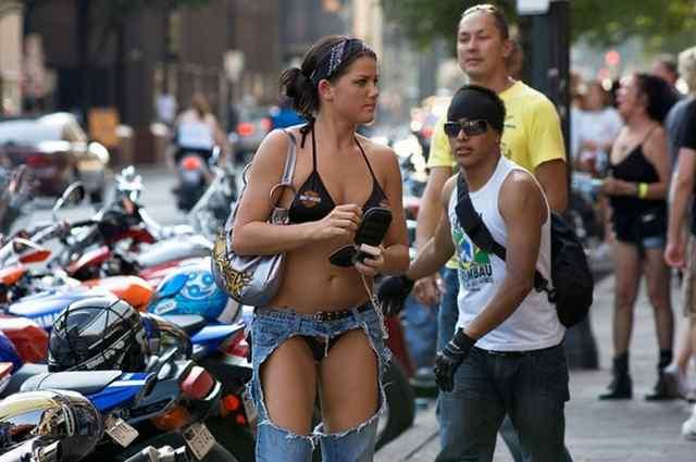 Модно, красиво или спущенные джинсы, штаны- абосраки