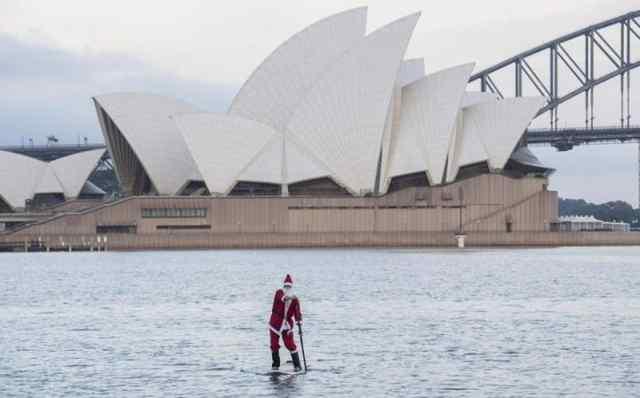 Как встречают Новый год в Австралии? На пляже, в плавка