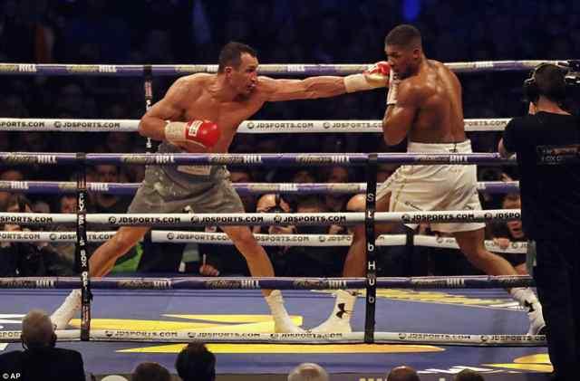 Энтони Джошуа против Владимира Кличко. В 11 раунде победил Джошуа.