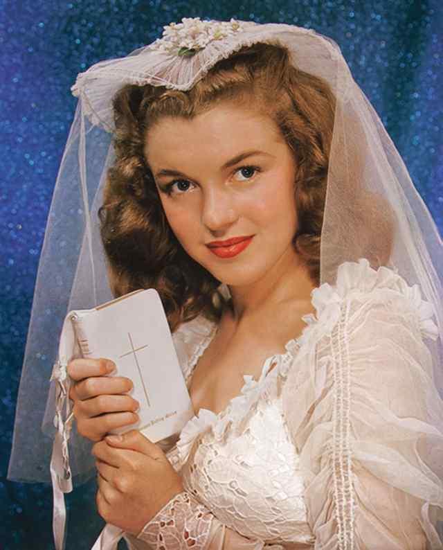Норма Джин Догерти, портрет невесты, 16 лет (1942)